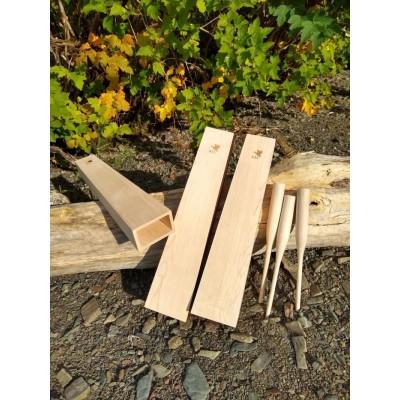 Appeau à orignal en bois d'érable, à la forme d'une boîte de résonnance, 15 pouces de long, avec un bâtonnet en érable.